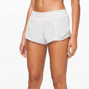 Lululemon Hotty Hot Shorts 2.5